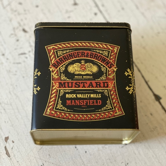 Vintage Other - Vintage tin can with lid